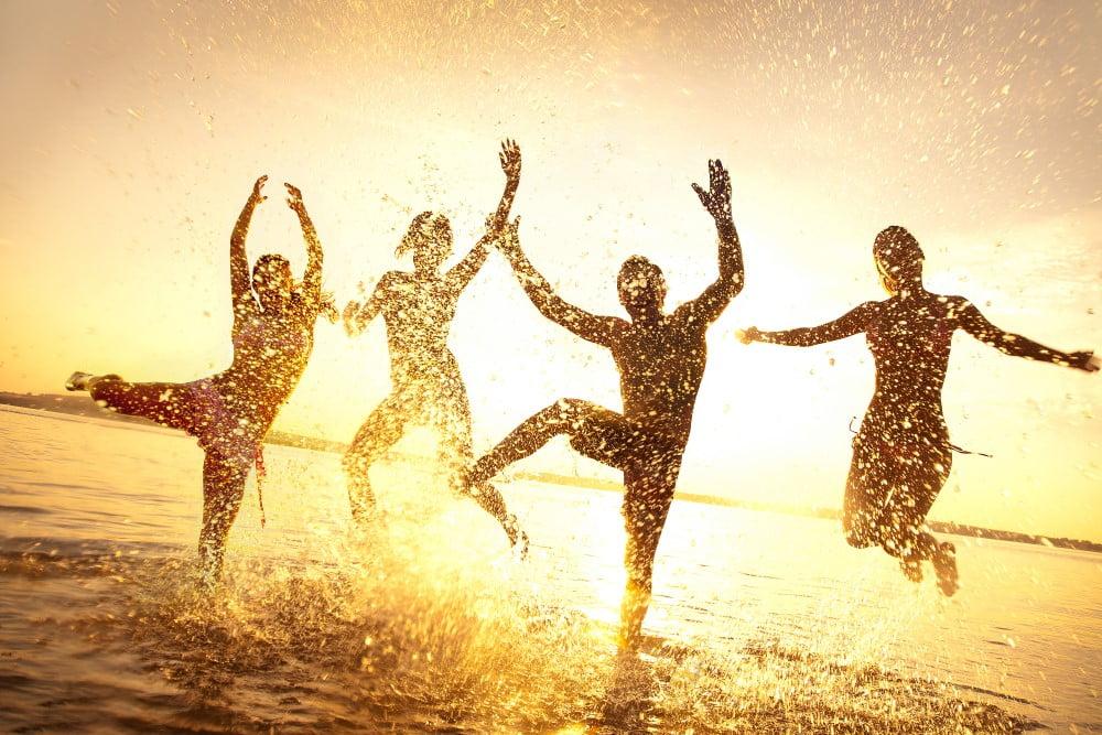 Glade unge mennesker